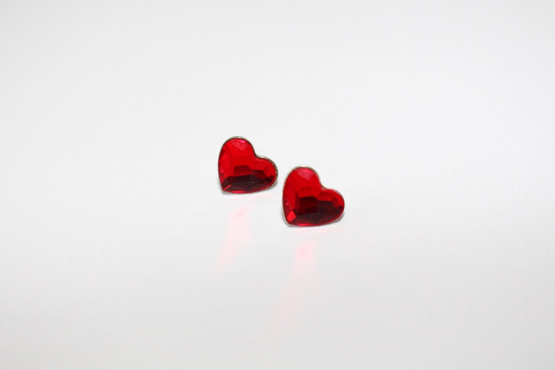 Small Heart in red Earrings