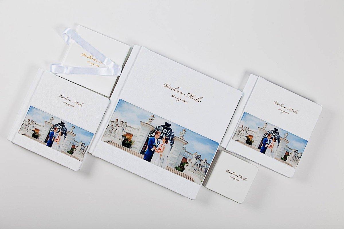 Fotokniha z Talianskej kože s oknom - 30x30